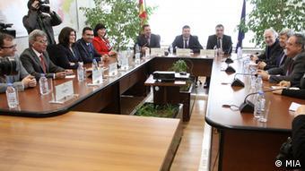 Mazedonien Besuch der Europaabgeordneten Kukan Vajgl und Howitt