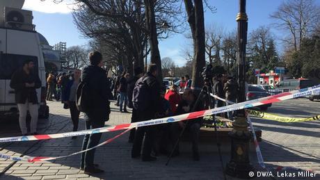 Türkei Medienvertreter am Anschlagsort in Istanbul