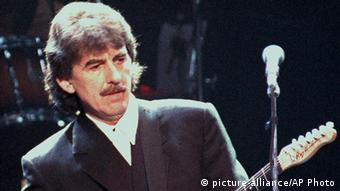 Großbritannien Musiker George Harrison (picture-alliance/AP Photo)