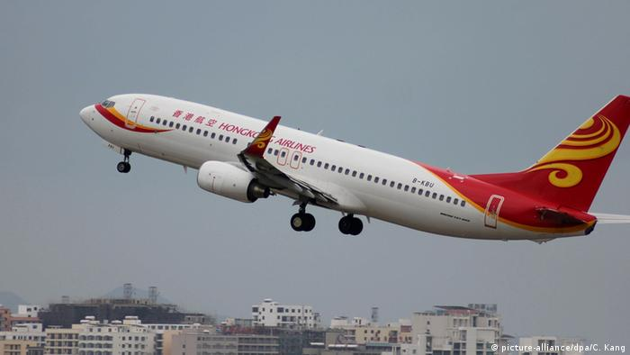 Hong Kong Airlines plane taking off (picture-alliance/dpa/C. Kang)