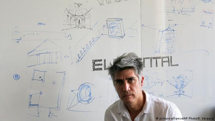 Alejandro Aravena, Copyright: picture-alliance/AP Photo/E. Vergara