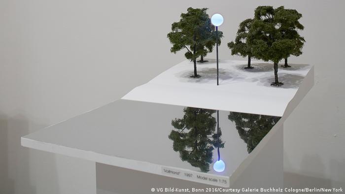 Bundeskunsthalle Ausstellung Isa Genzken - Modelle für Außenprojekte