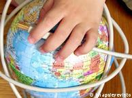 Понад половина світу залишається без інтернету