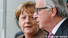 Merkel (li.) als starke Frau in Brüssel? So soll es bleiben, hofft Juncker (re.)   (Archivbild)