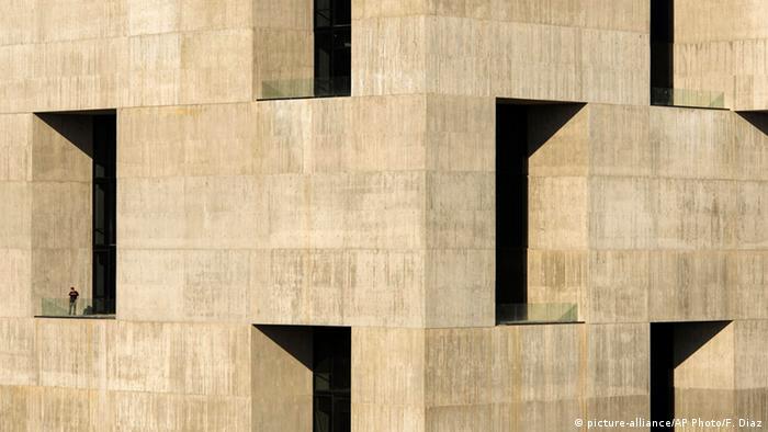 Архитектура Алехандро Аравены