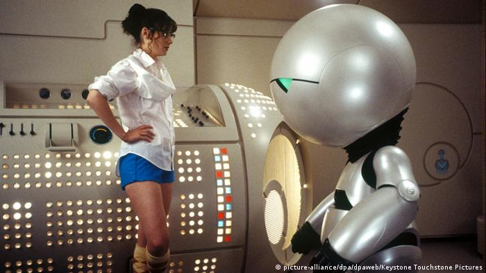 Film still 'Hitchhiker's Guide to the Galaxy' (picture-alliance/dpa/dpaweb/Keystone Touchstone Pictures)
