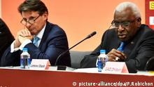 (FILE) File picture dated 30 August 2015 of IAAF president elect Lord Sebastian Coe (L) and outgoing IAAF President Lamine Diack during the closing IAAF / LOC press conference for the Beijing 2015 IAAF World Championships at the National Stadium in Beijing, China. EPA/FRANCK ROBICHON (zu dpa-Meldung: «WADA-Report: IAAF versagt im Kampf gegen Doping und Korruption » vom 14.01.2016) +++(c) dpa - Bildfunk+++ picture-alliance/dpa/F.Robichon