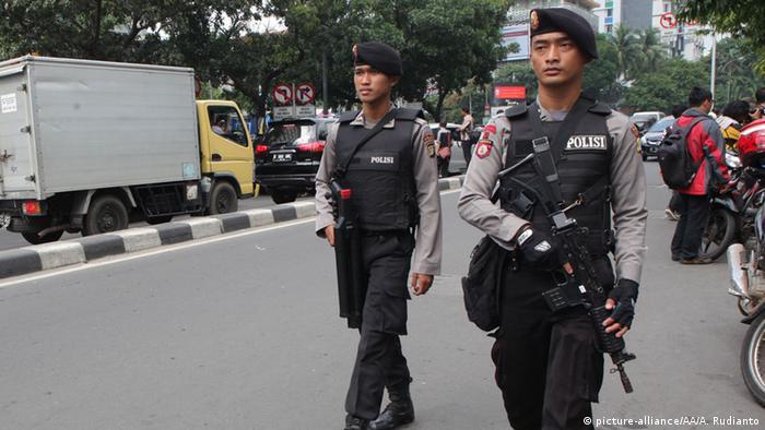 Поліція посилила заходи безпеки після терактів у Джакарті