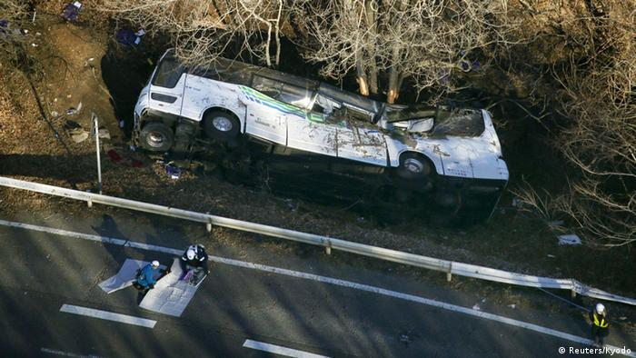 Tourists killed in Japan ski bus crash