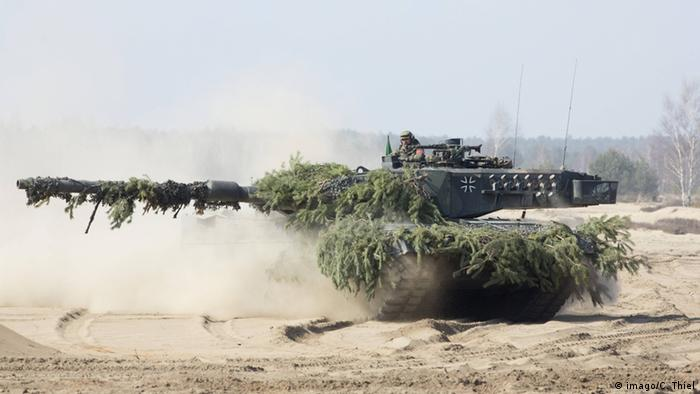 Germany to send tanks to Russian border