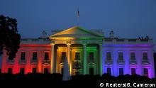 USA Homoehe das Weiße Haus in Regenbogen Farben