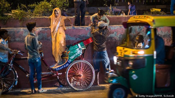 Indien Frauen Rikschas