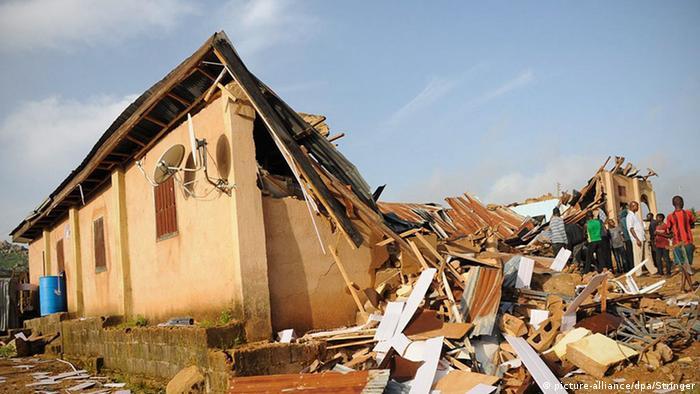 Igreja destruída pelo Estado Islâmico na Nigéria