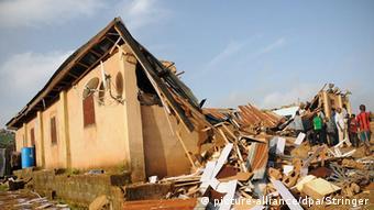 Nigeria Jos Zerstörte Kirche nach Anschlag (picture-alliance/dpa/Stringer)