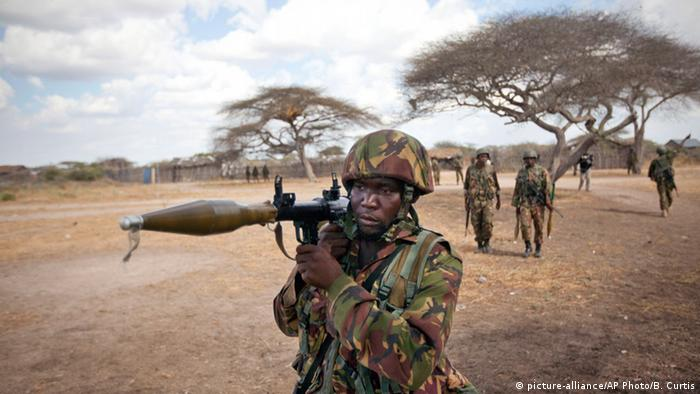 A Kenyan army soldier carries a rocket-propelled grenade launcher as he patrols in Tabda, inside Somalia (Photo: AP Photo/Ben Curtis, File)