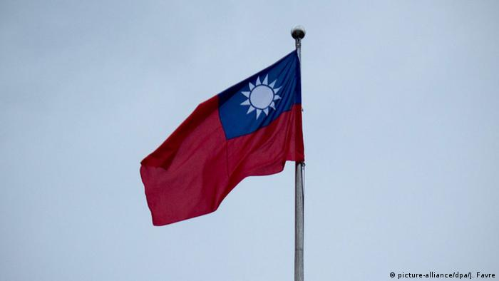 Taiwan Republik China Flagge (picture-alliance/dpa/J. Favre)