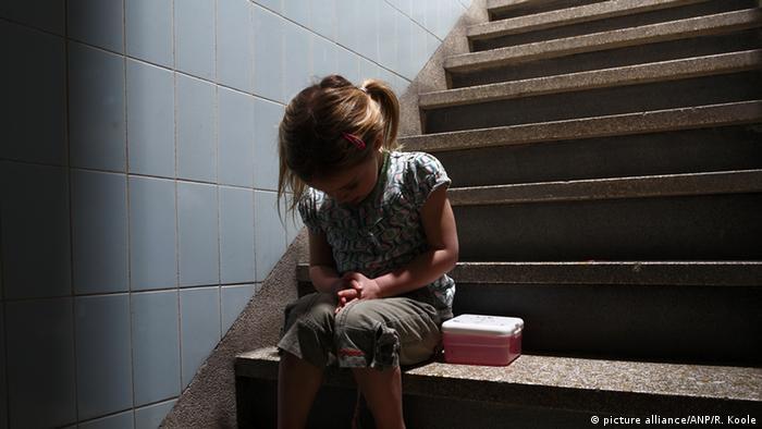 Symbolbild Kindesmisshandlung Bestrafung familiäre Gewalt