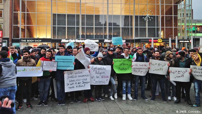 Köln Demonstration Syrer gegen Sexismus