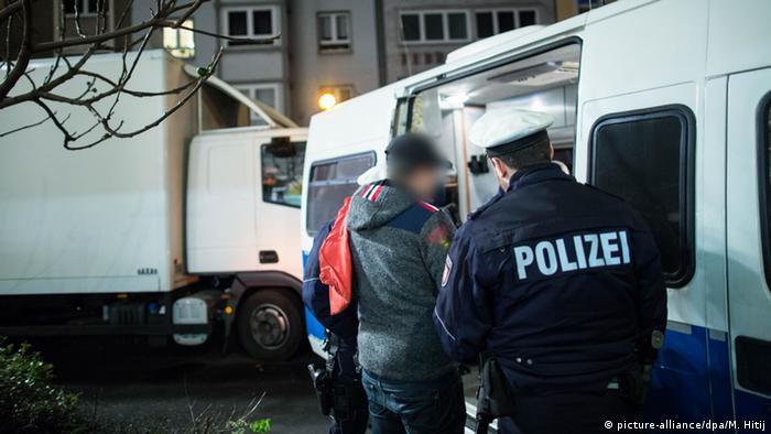 Полицейский рейд в Дюссельдорфе