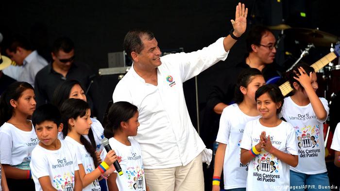 Ecuador Präsident Rafael Correa Jubiläum 9 Jahre im Amt
