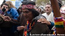 ARCHIV 2010 *** A picture dated 20 May 2010 shows Milagro Sala, leader social organization Tupac Amaru on the Argentine National Indigenous march arriving to Plaza de Mayo in Buenos Aires, after travelling thousand kilometers across the country to claim the defense of their lands and culture, in the context of national celebrations for the Bicentennial of the May Revolution. ANDRES PEREZ MORENO/dpa © picture-alliance/dpa/A.P. Moreno