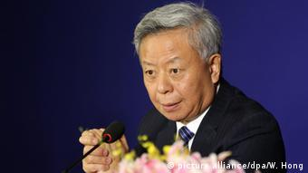 China AIIB Entwicklungsbank Jin Liqun (picture alliance/dpa/W. Hong)