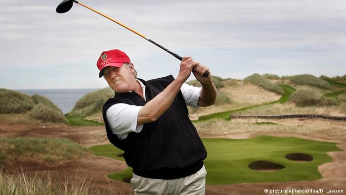 Trump golfing (picture alliance/dpa/D. Lawson)
