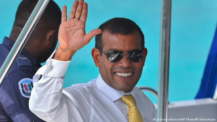 Mohamed Nasheed Malediven (picture-alliance/AP Photo/M.Sharuhaan)
