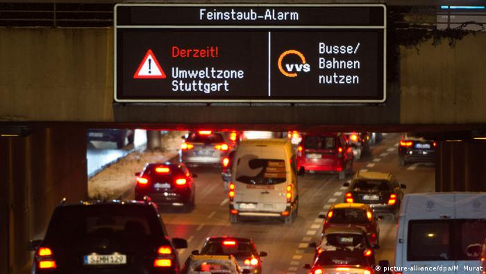 Pollution warning on a road in Stuttgart