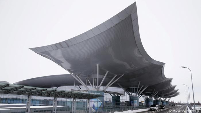 Україна закриває авіасполучення з іншими країнами (на фото - аеропорт Бориспіль)