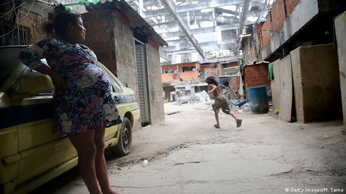 Brasilien, schwangere Frau