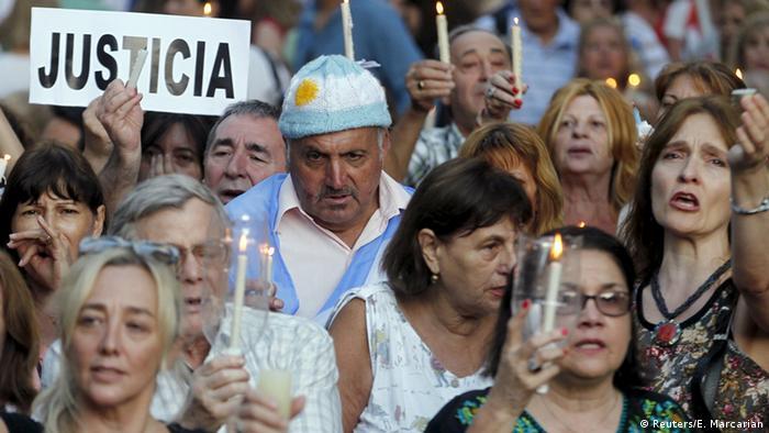 Un fiscal pidió revisar las llamadas que entre 2011 y 2015 realizaron la expresidenta argentina Cristina Fernández de Kirchner y otros acusados por el fallecido fiscal del caso AMIA, Alberto Nisman. 10.02.2017