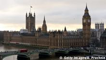7. 12. 2015 LONDON, UNITED KINGDOM - DECEMBER 07: An aerial view of The Houses of Parliament as seen from the London Eye December 7, 2015 in London, United Kingdom. (C): Getty Images/B. Pruchnie