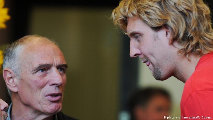 Holger Geschwindner and Dirk Nowitzki (picture-alliance/dpa/A. Dedert)