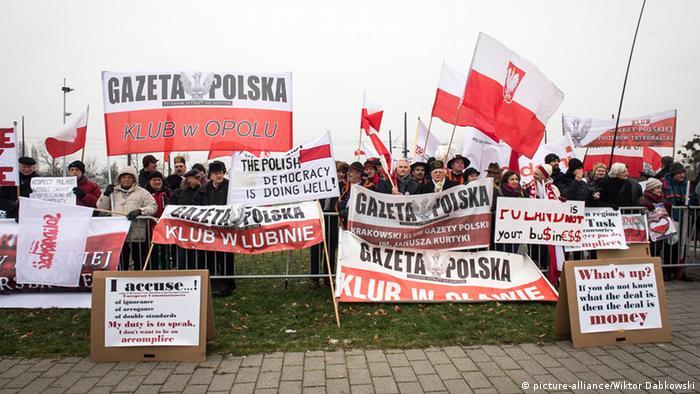 Europaparlament Debatte Polen - Protest vor dem Parlament