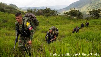 FARC rebels in Colombia. picture-alliance/AP Photo/R. Abd