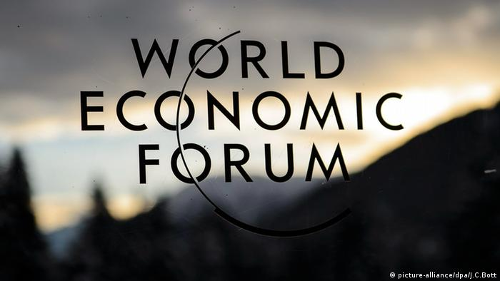 World Economic Forum Logo Davos (picture-alliance/dpa/J.C.Bott)