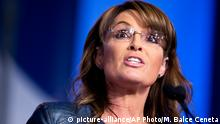 FILE - In this Sept. 26, 2014 file photo, former Alaska Gov. Sarah Palin and vice presidential candidate speaks in Washington. Republican presidential front-runner Donald Trump received a key endorsement from conservative heavyweight Sarah Palin, Tuesday, Jan. 19, 2016. (AP Photo/Manuel Balce Ceneta, File) picture-alliance/AP Photo/M. Balce Ceneta