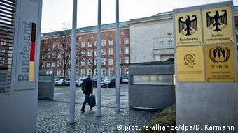 Deutschland Bundesamt für Migration und Flüchtlinge in Nürnberg (picture-alliance/dpa/D. Karmann)