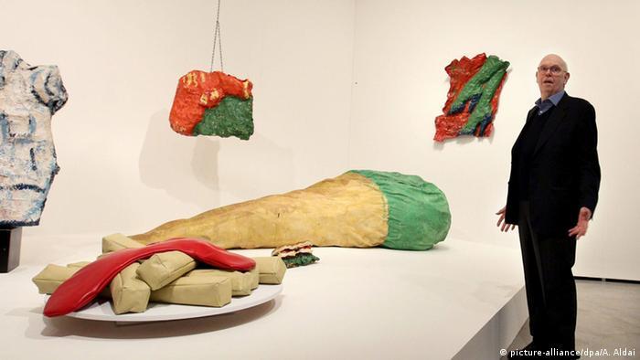 Claes Oldenburg retrospective (picture-alliance/dpa/A. Aldai)