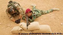 Irak 2014 - Einweisung Peschmerga in Handhabung G3-Sturmgewehr