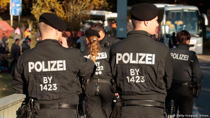 Deutschland Grenzkontrollen an der Grenze zu Österreich (Getty Images/J. Simon)