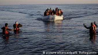 Беженцы у острова Лесбос