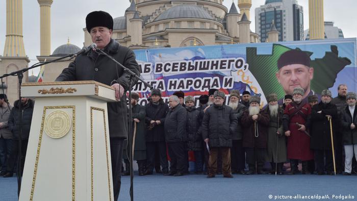 Министр внутренних дел Чечни Алханов