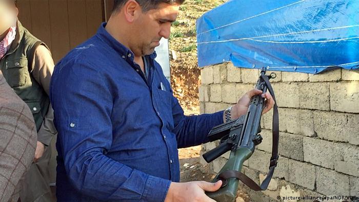 Deutschland Schnellfeuergewehr G-3 auf einem Waffenmarkt bei Erbil