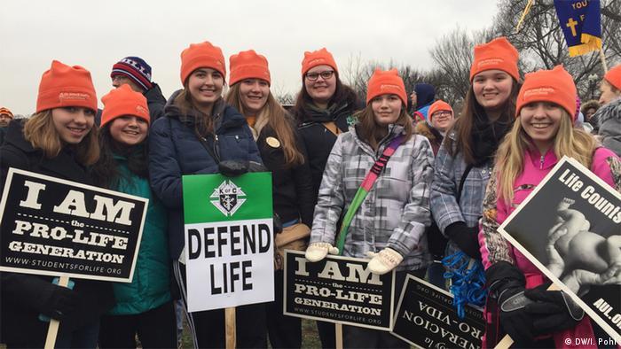Demonstracija američkih konzervativaca za život u Washingtonu. Ove djevojke su stigle iz Iowe.