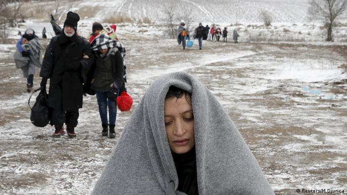Flüchtlinge Grenze Mazedonien Serbien Balkan Route Winter Kälte