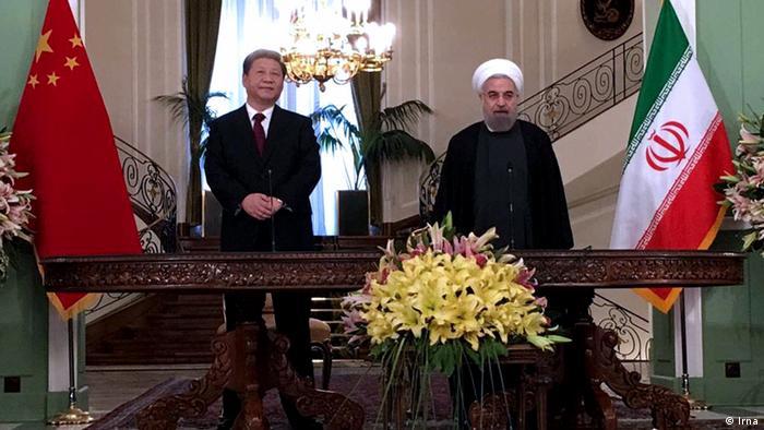 Председатель КНР Си Цзиньпин и президент Ирана Хасан Роухани в Тегеране