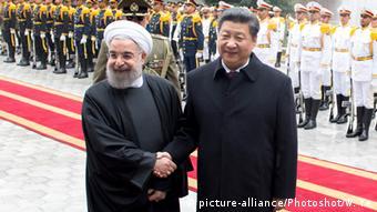 Хасан Роухани принимает в Тегеране председателя КНР Си Цзиньпина