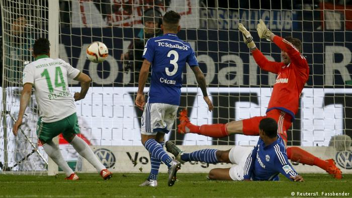 Los goles de Claudio Pizarro siguen siendo importantes para el Bremen, que cuando el delantero peruano anota, gana.